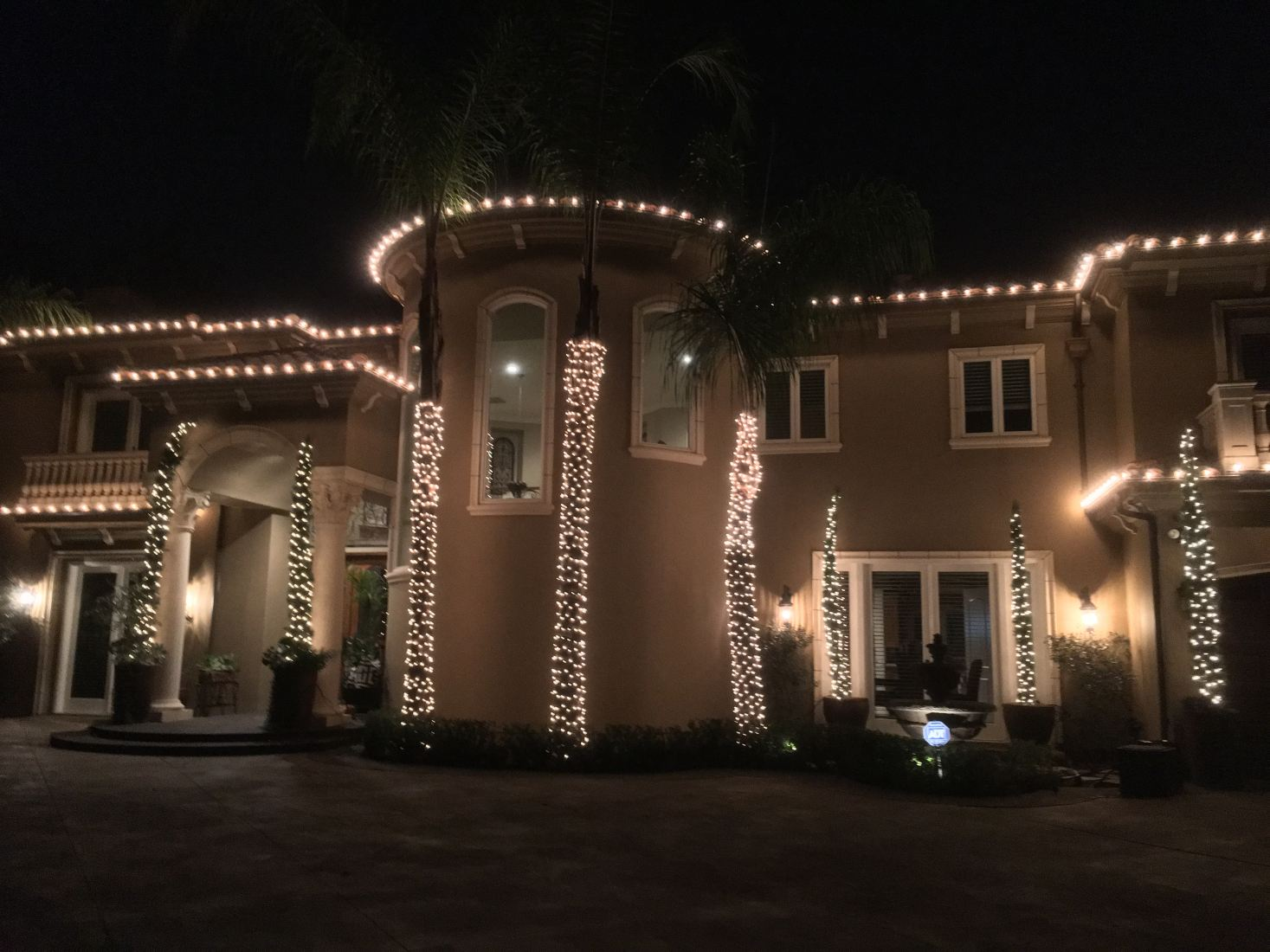 christmas lights installed on a home in newport beach ca - Home Decoration Lighting
